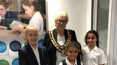 Mayor visits Leybourne Chase